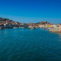 Einfahrt in den Hafen von Portoferraio