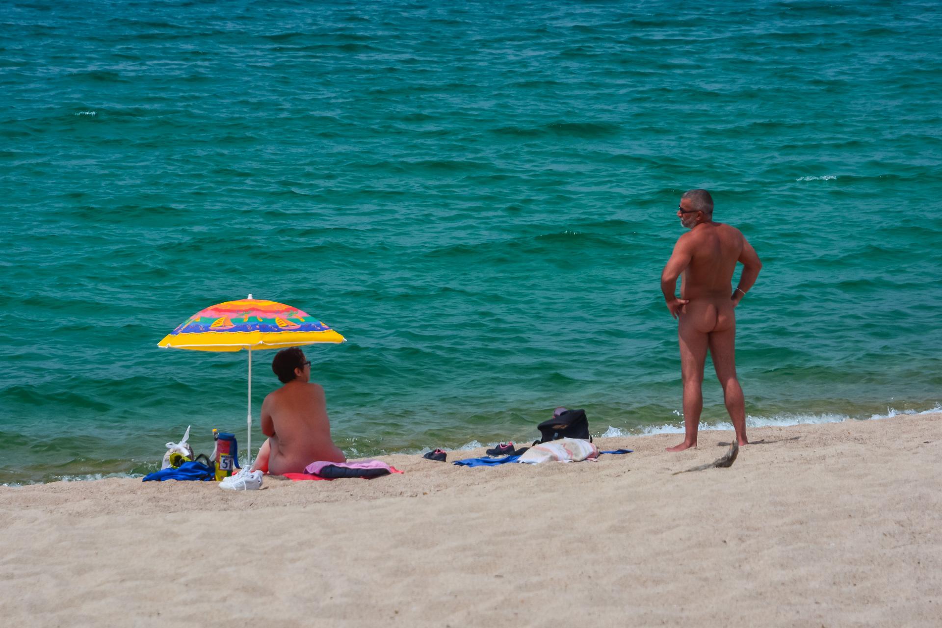 Bilder nackte nudisten Nackte Nudisten