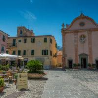 Marciana Marina: Die Kirche Santa Chiara an der Piazza Vittorio Emanuele