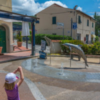 Procchio: Delfinbrunnen