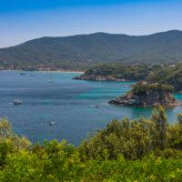 Bucht von Procchio mit der Insel Paolina
